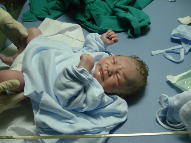 new-born-702548_1280